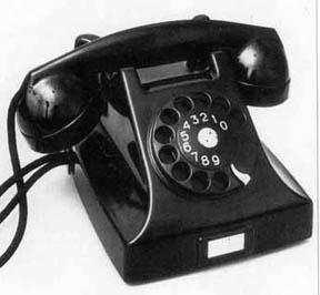 när uppfanns telefonen